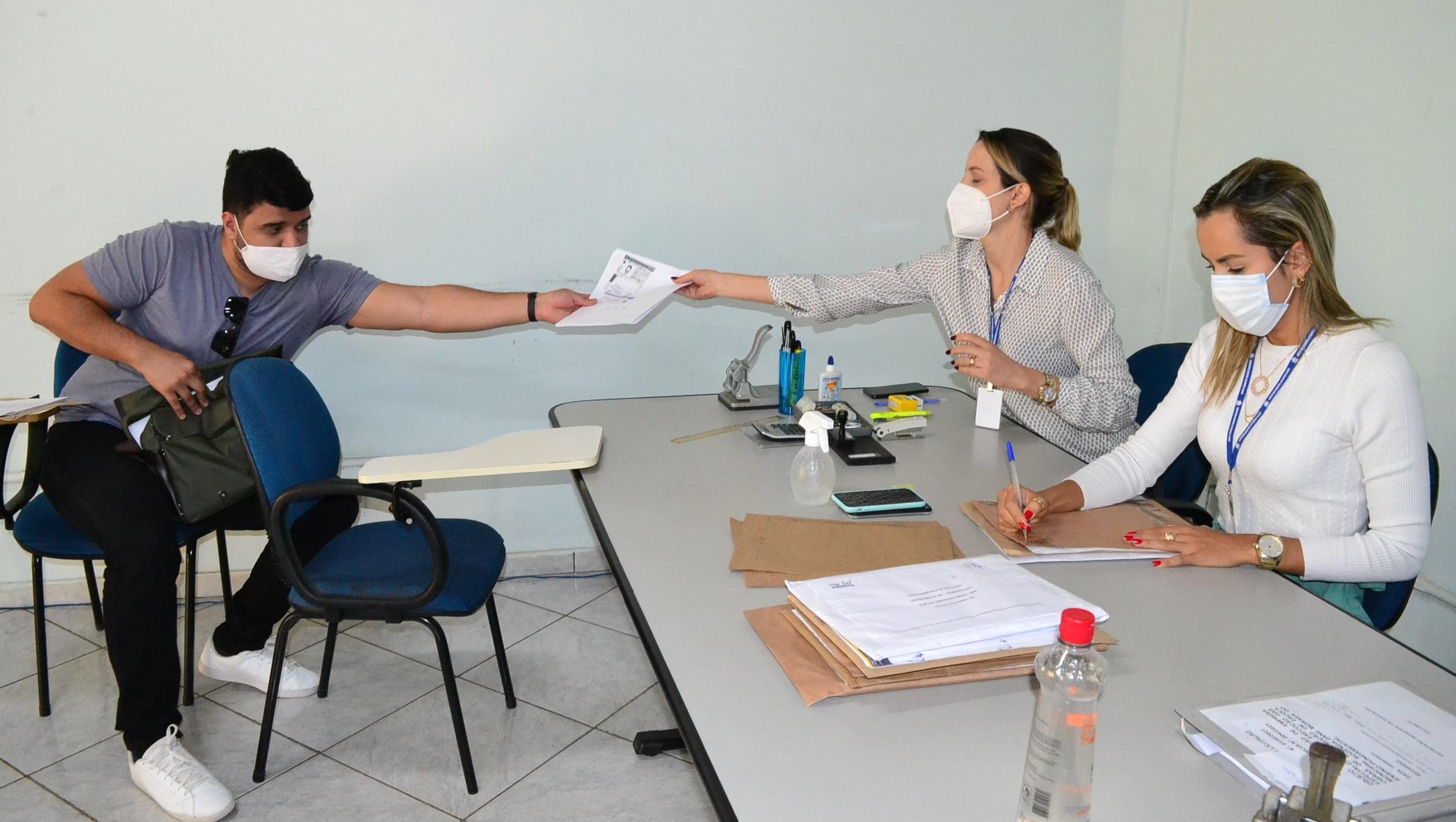 Imagem de destaque Licitações de CEMEI e escola atraem 12 empresas