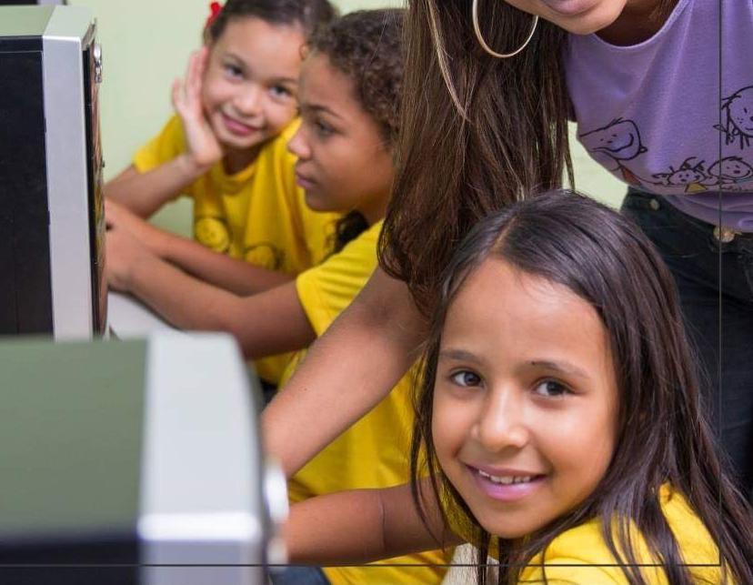Imagem de destaque OFICINAS SOCIOPEDAGÓGICAS : INCLUSÃO DIGITAL E ESPORTIVA - ASSOCIAÇÃO PAULA ELIZABETE.