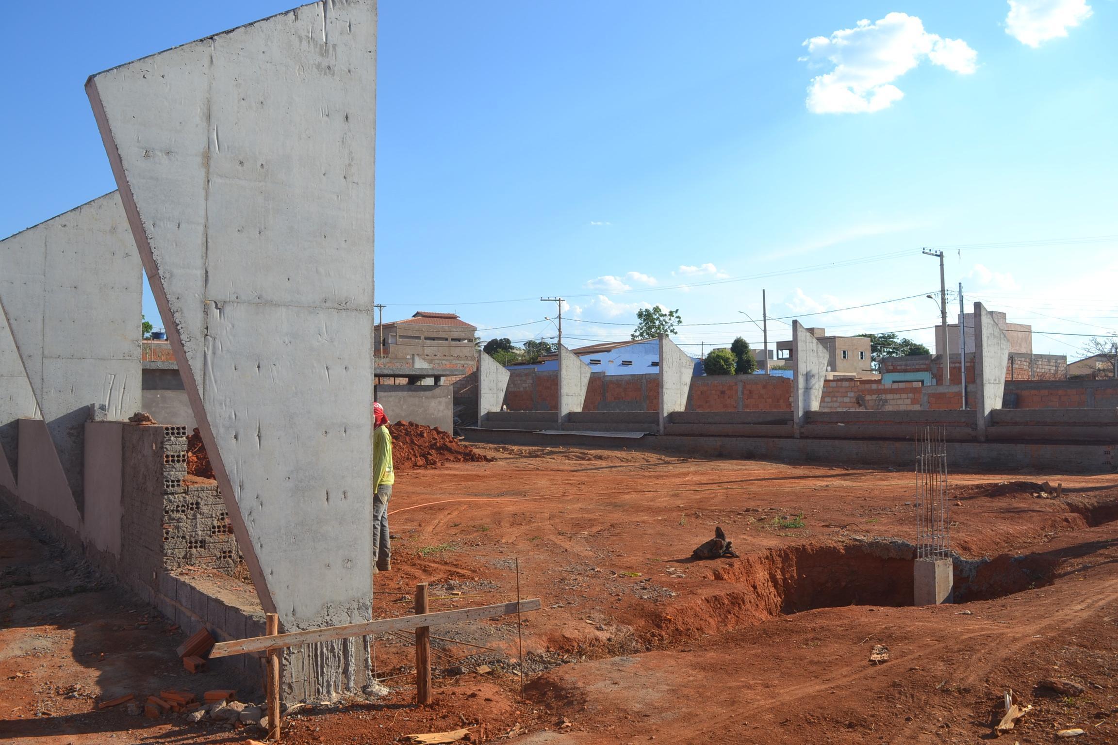 Imagem de destaque Prefeitura constrói quadra poliesportiva no bairro Independência