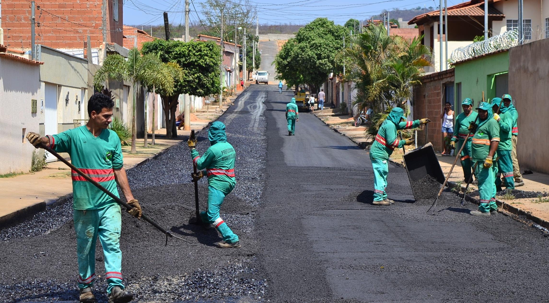 Imagem de destaque Obras de asfaltamento seguem pelos bairros de Montes Claros