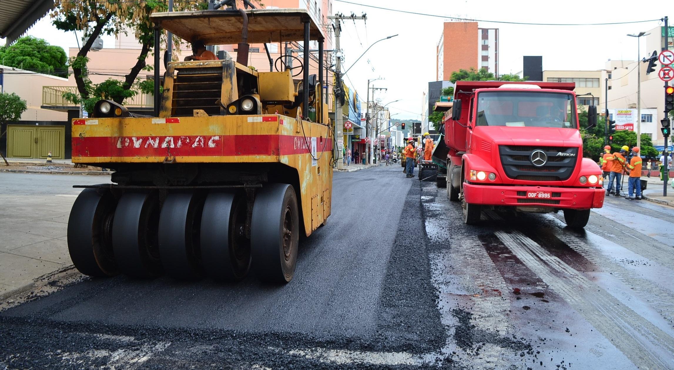Imagem de destaque Prefeitura continua o recapeamento das ruas do Centro