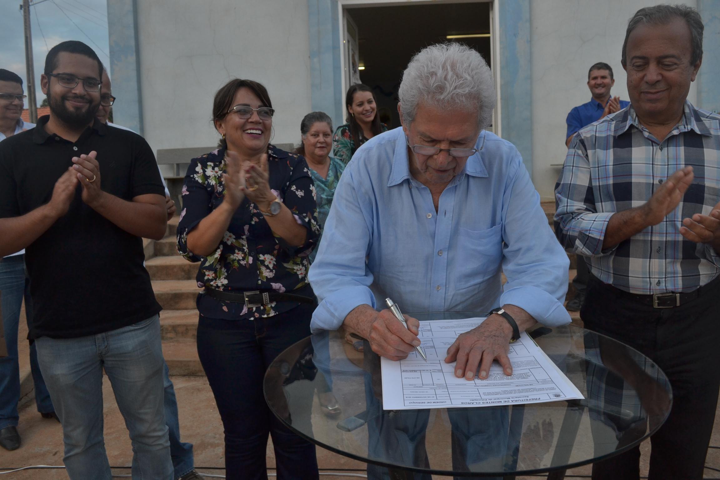 Imagem de destaque Assinada a ordem de serviço para a construção de escola em Pedra Preta