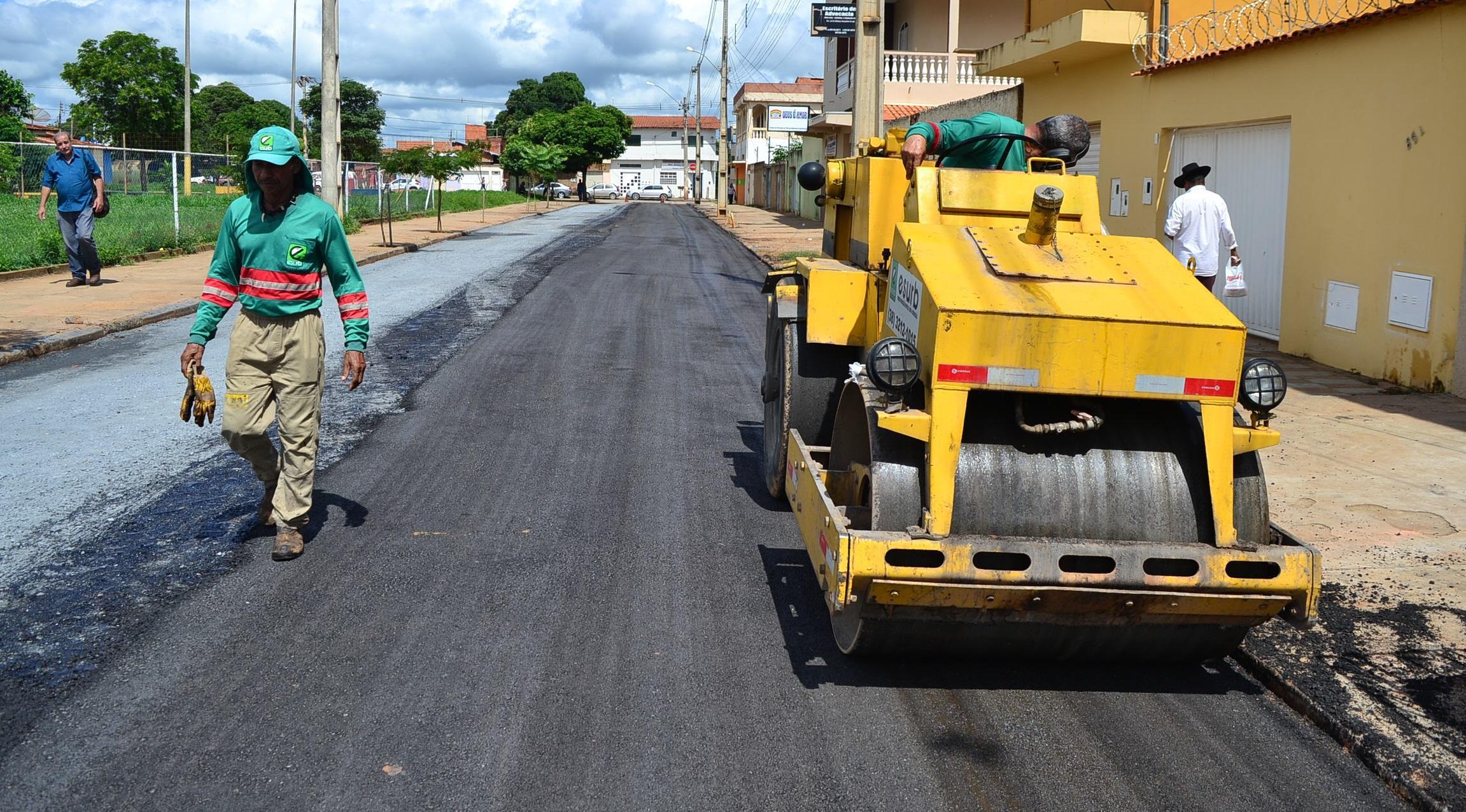 Imagem de destaque Obras de asfaltamento estão avançadas no Delfino Magalhães