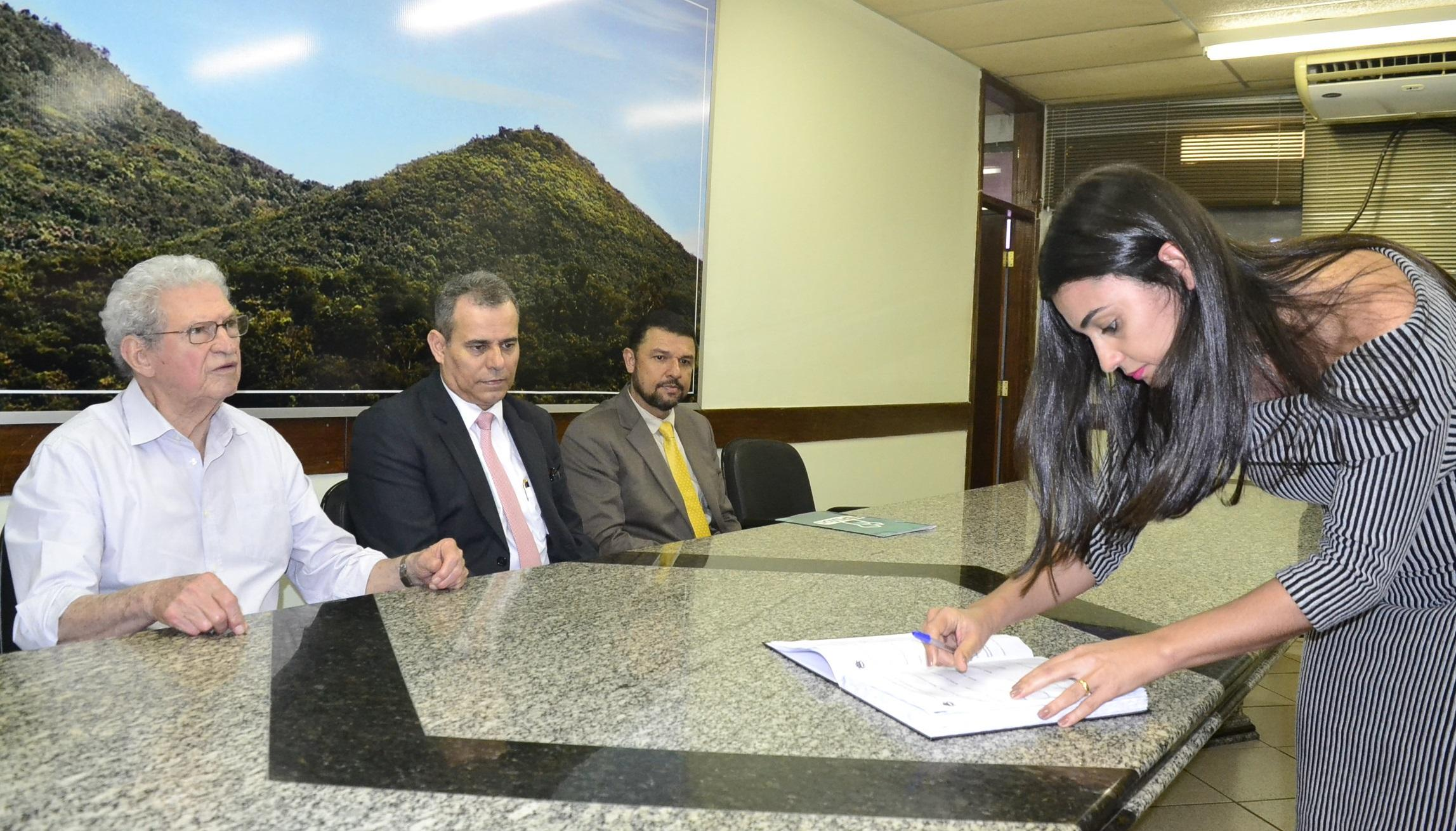Imagem de destaque Prefeitura dá posse aos novos membros do Conselho Municipal de Contribuintes