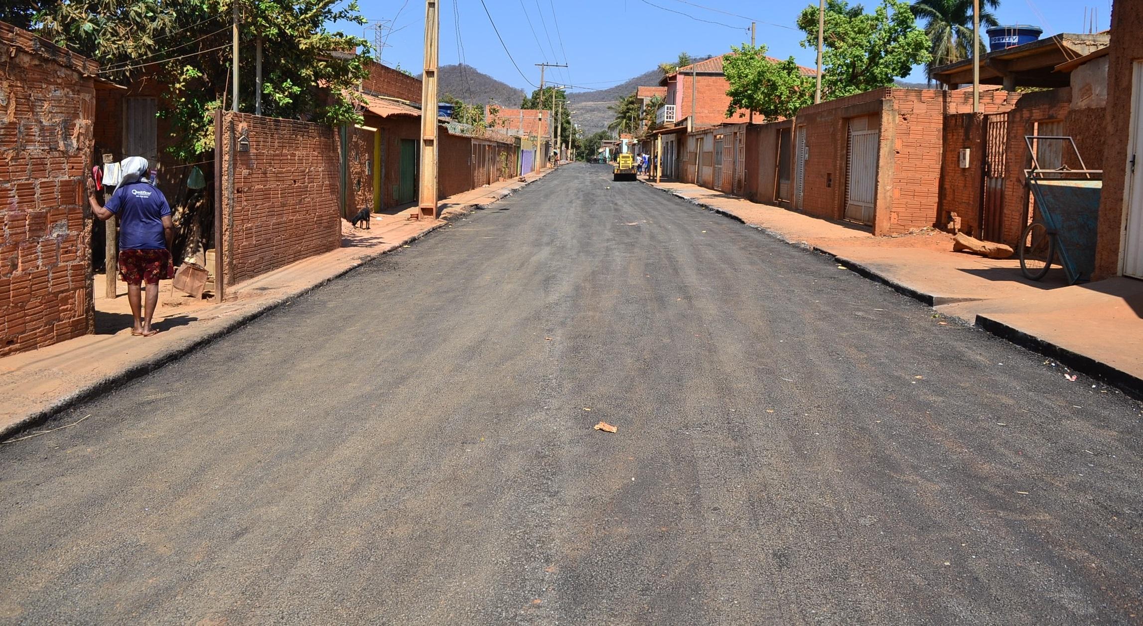 Imagem de destaque Prefeitura asfalta importante avenida na Vila Castelo Branco