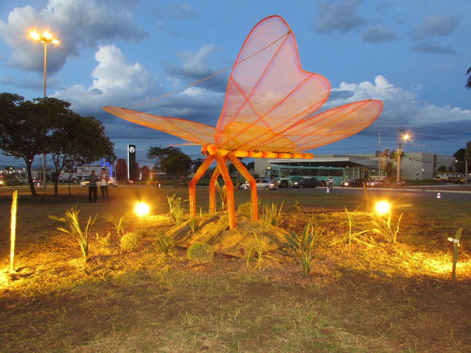 """Imagem de destaque """"Jardins para Borboletas"""" - Prefeitura realiza homenagem a Maria de Custodinha"""