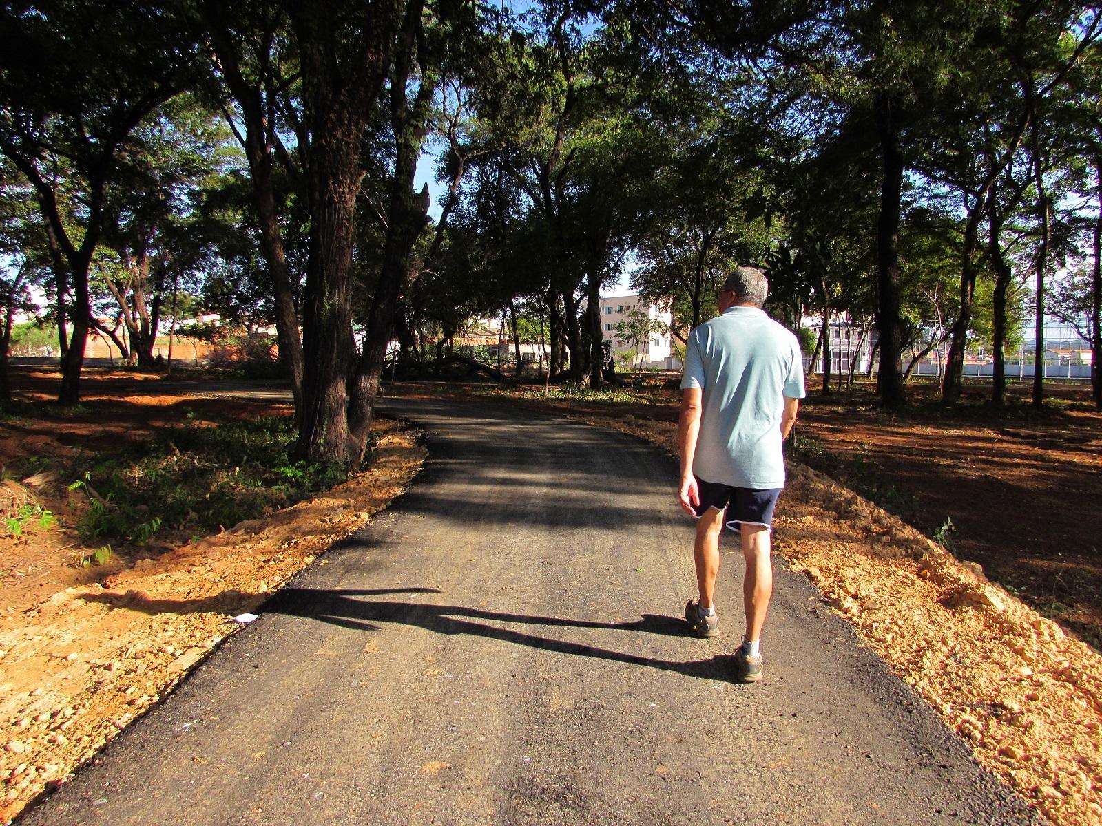 """Imagem de destaque """"CÂNDIDO CANELA""""  - Pista de caminhada foi concluída e parque será inaugurado em breve"""