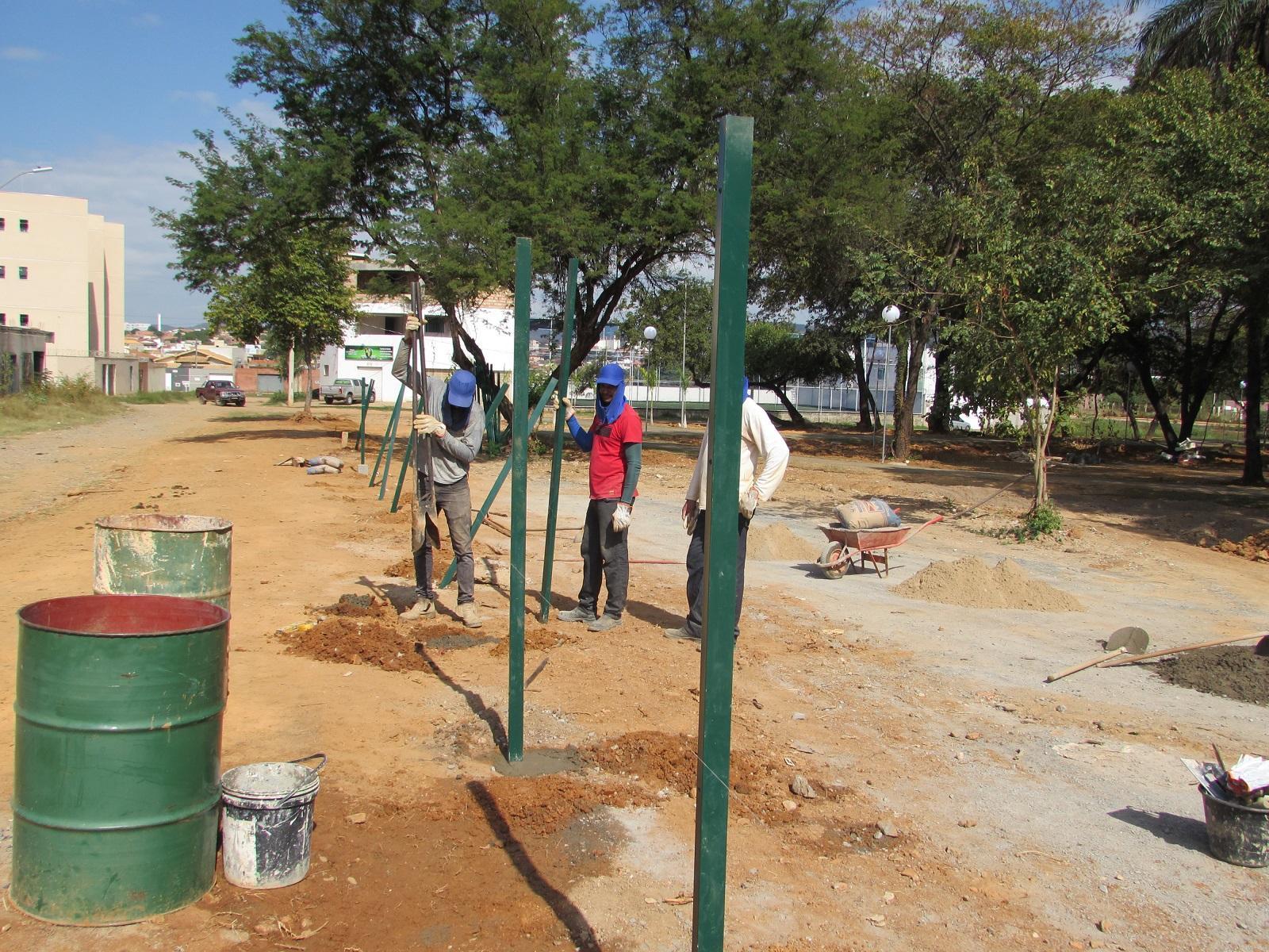 Imagem de destaque Iniciadas obras de cercamento do Parque Cândido Canela