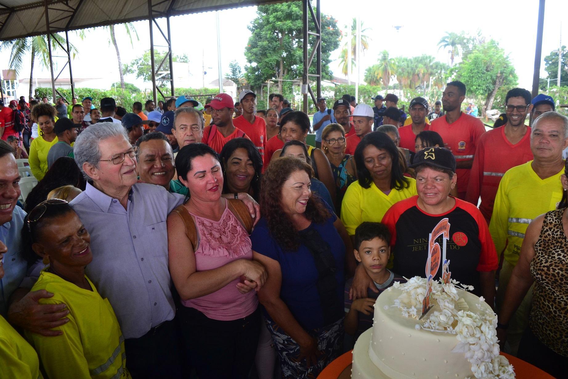 Imagem de destaque Prefeitura comemora Dia do Gari com café da manhã coletivo