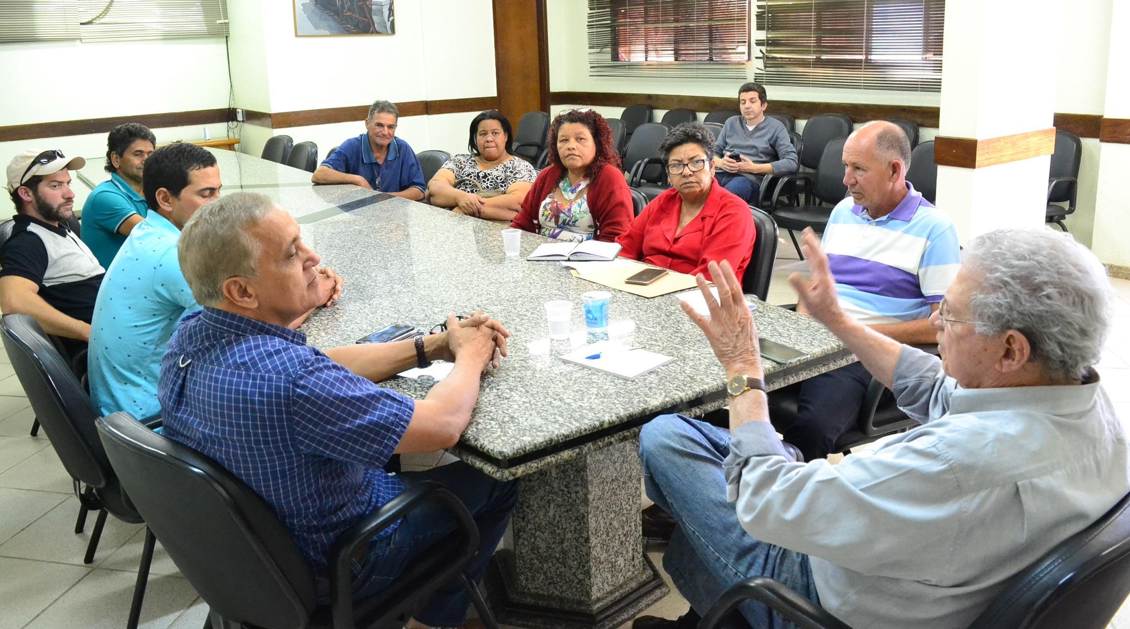 Imagem de destaque Prefeito recebe representantes de Ermidinha e outras comunidades rurais