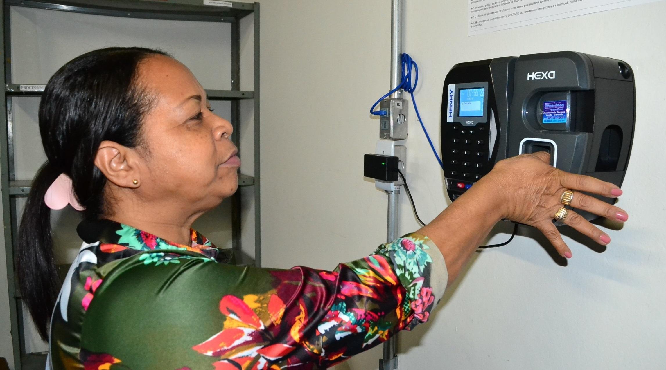 Imagem de destaque Transparência - Prefeitura de Montes Claros implanta ponto eletrônico