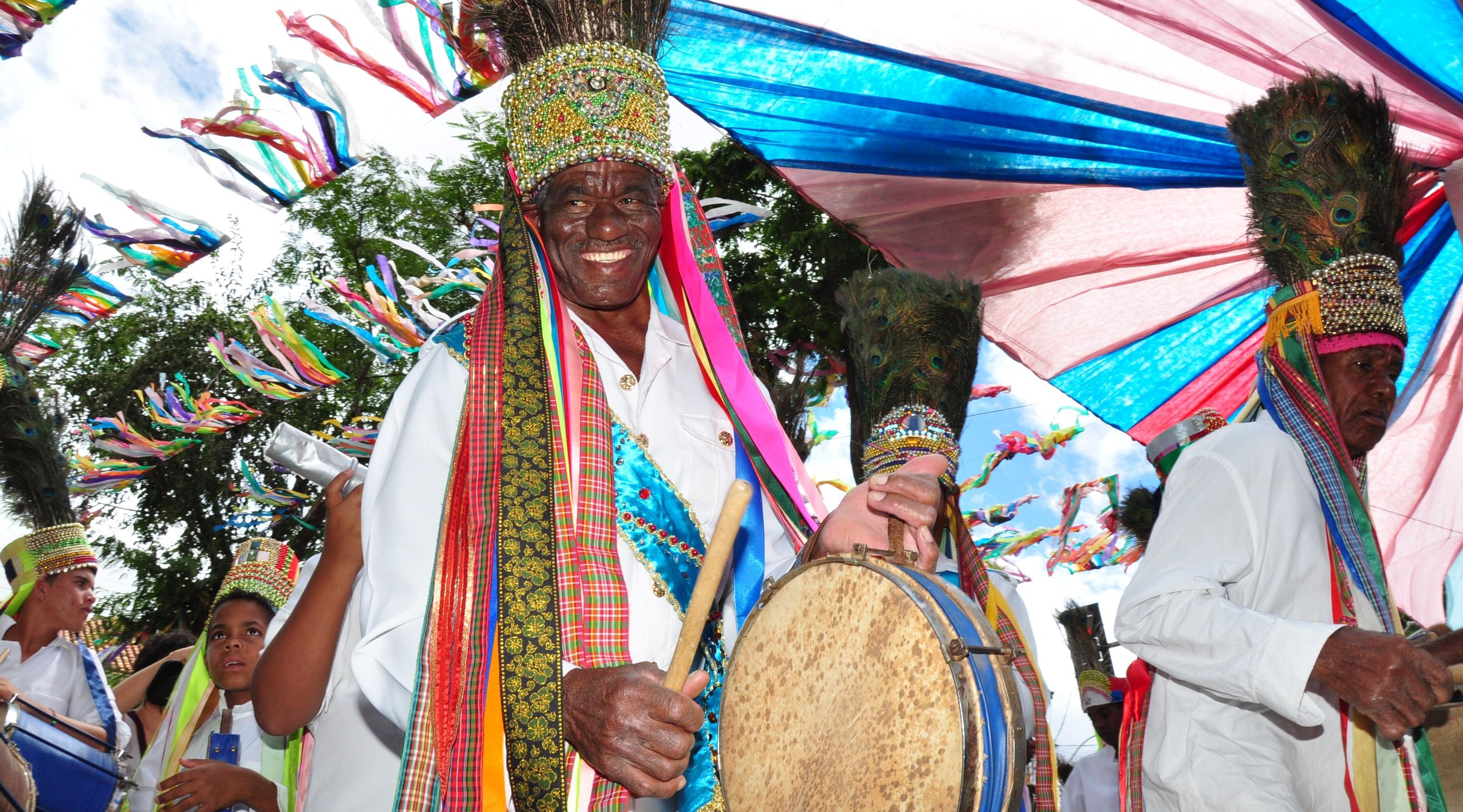 Imagem de destaque Prefeitura contrata transporte para ternos de folia nas Festas de Agosto