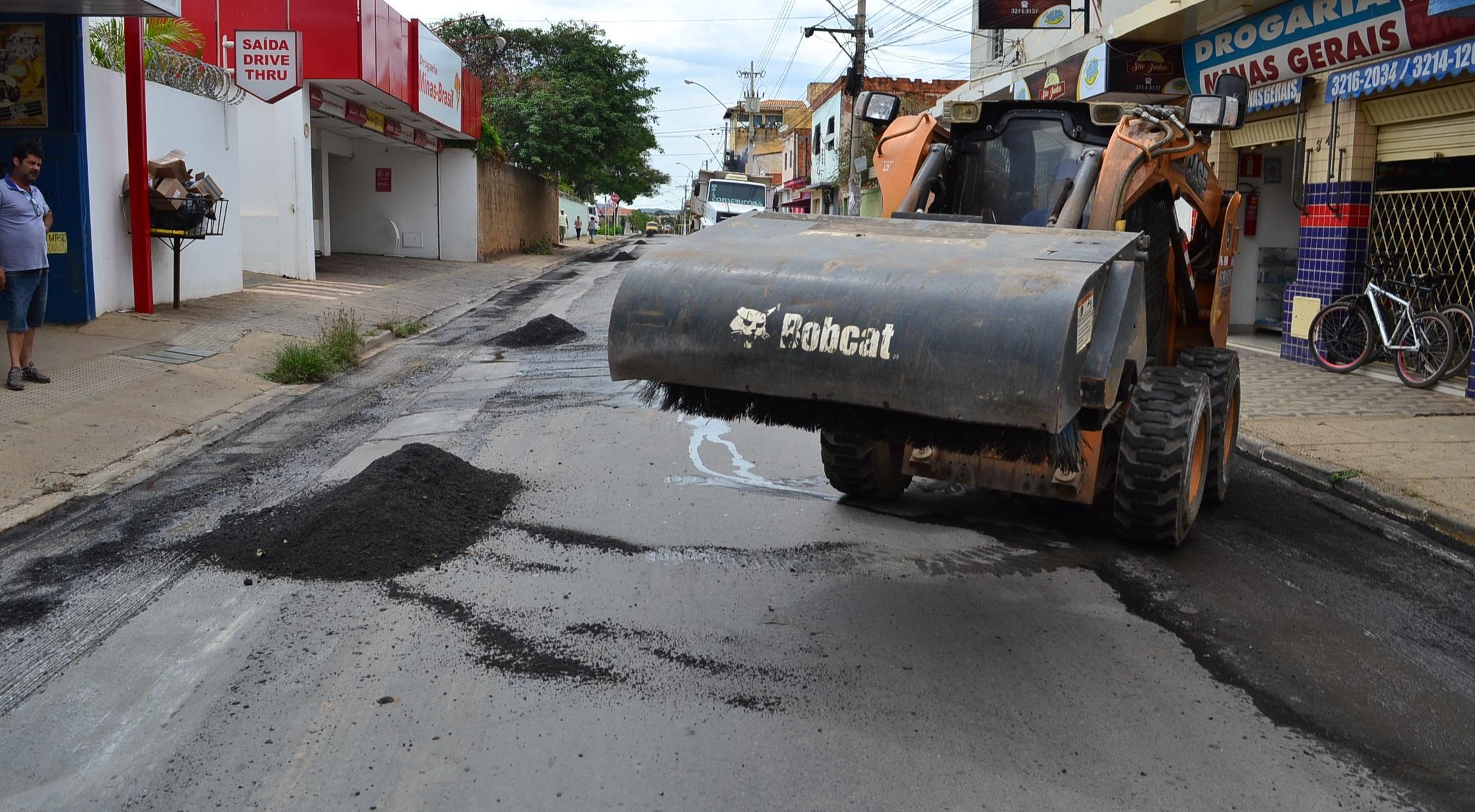Imagem de destaque Prefeitura dá sequênciaà segunda etapa de asfaltamento na cidade