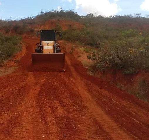 Imagem de destaque Nem chuva interrompe a manutenção das estradas rurais de Montes Claros