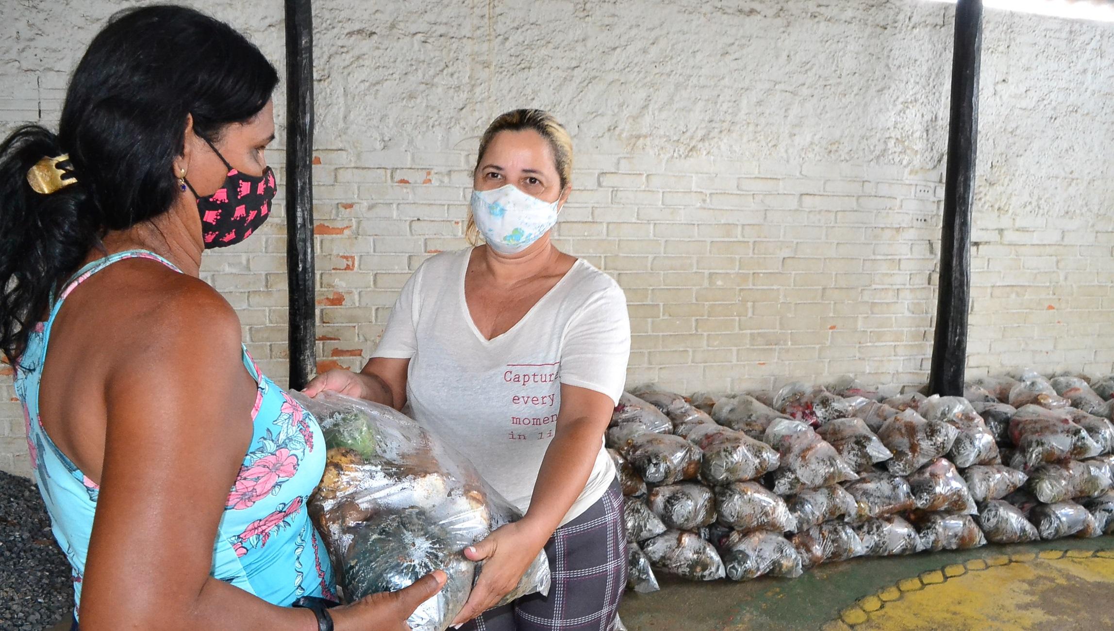 Imagem de destaque Famílias carentes de Montes Claros recebem mais cestas de hortifrutigranjeiros