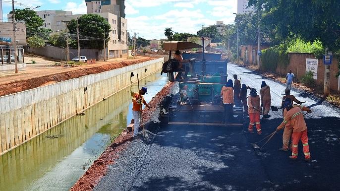 Imagem de destaque Nova avenida Vicente Guimarães recebe pavimentação