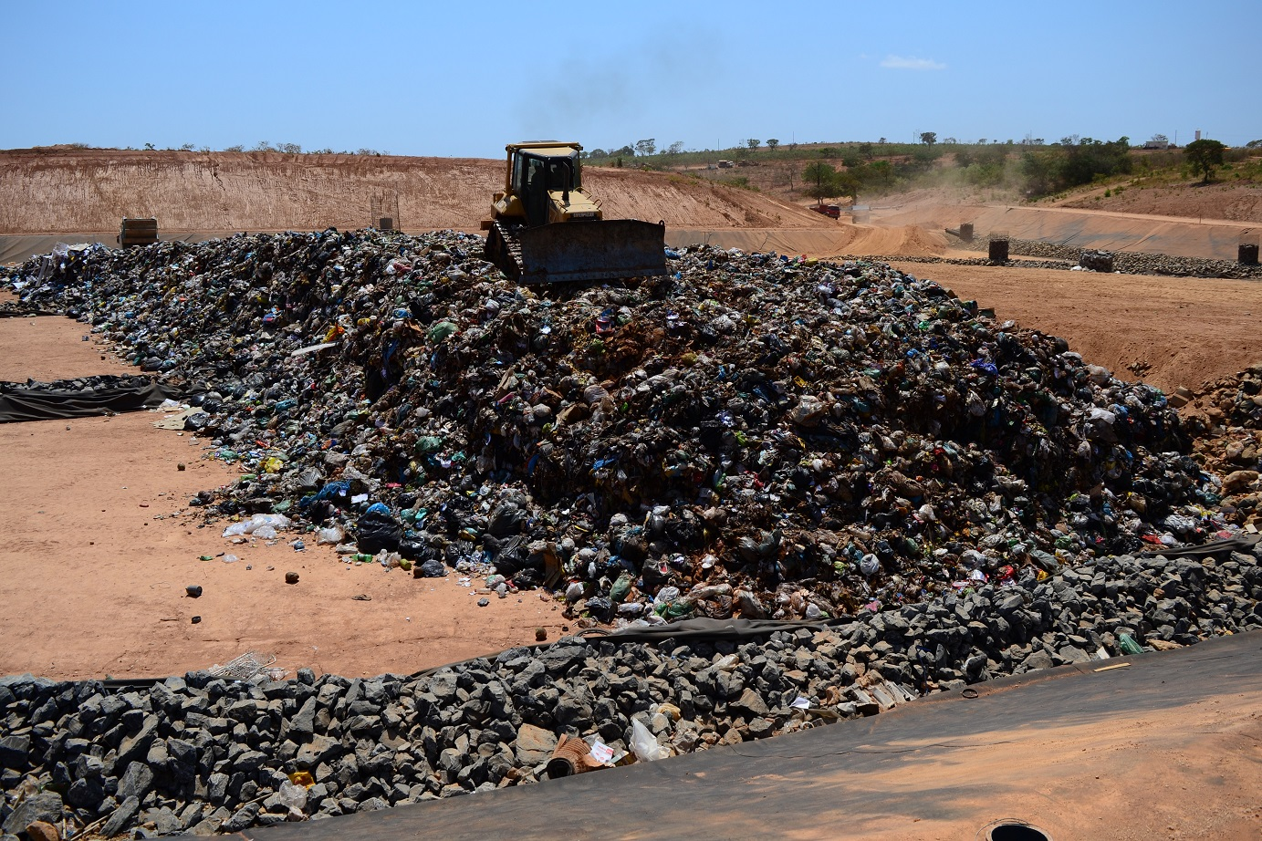Imagem de destaque Prefeitura vai contratar empresa para fazer a destinação final dos resíduos sólidos