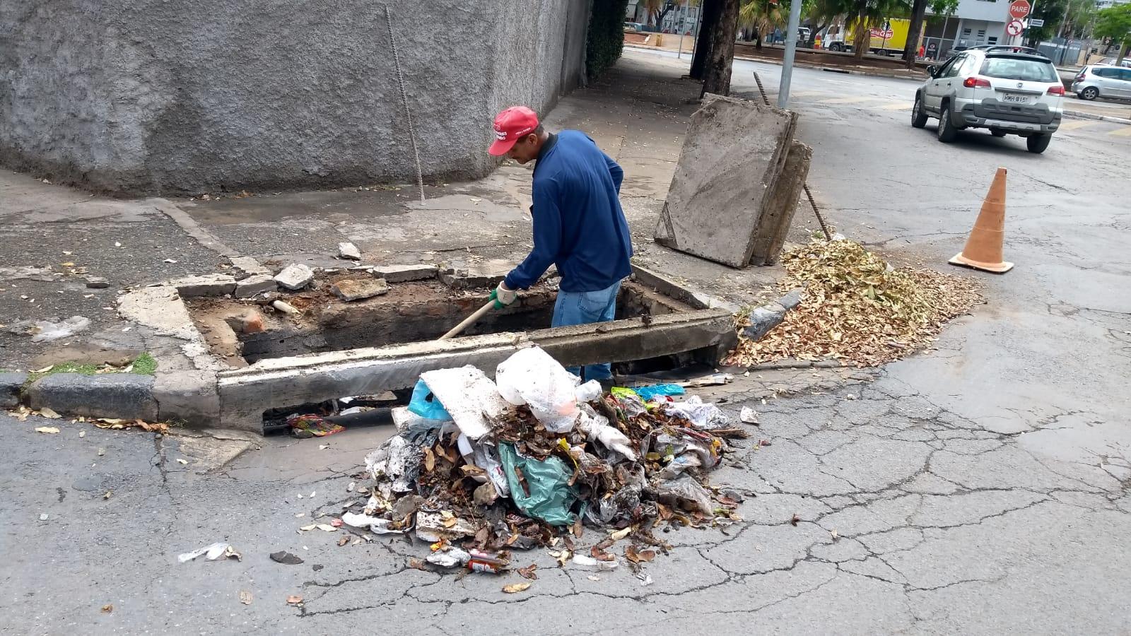 Imagem de destaque Prefeitura reforça a limpeza das bocas de lobo da cidade