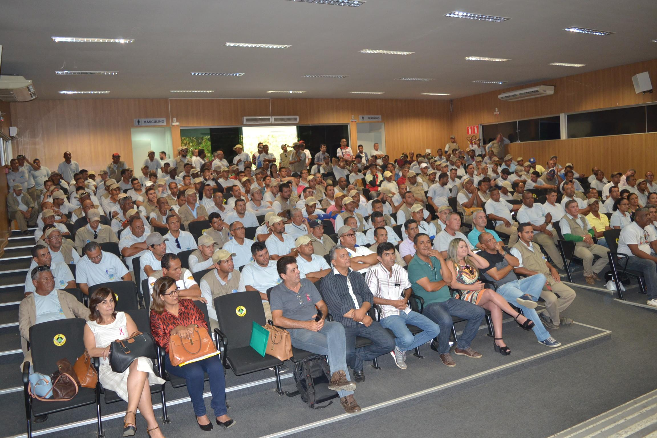 Imagem de destaque DIA DO AGENTE DE COMBATE A ENDEMIAS - Prefeitura anuncia melhorias para os profissionais