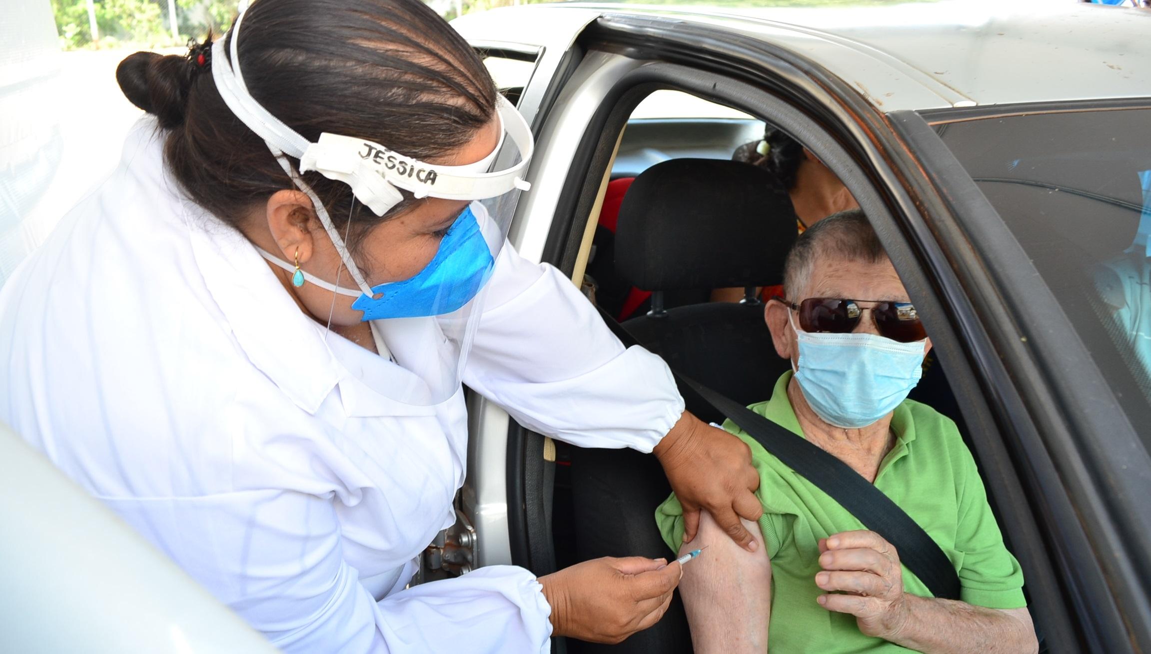 Imagem de destaque IDOSOS COM 90 ANOS OU MAIS - Começa a segunda etapa da vacinação contra a COVID-19 em Montes Claros
