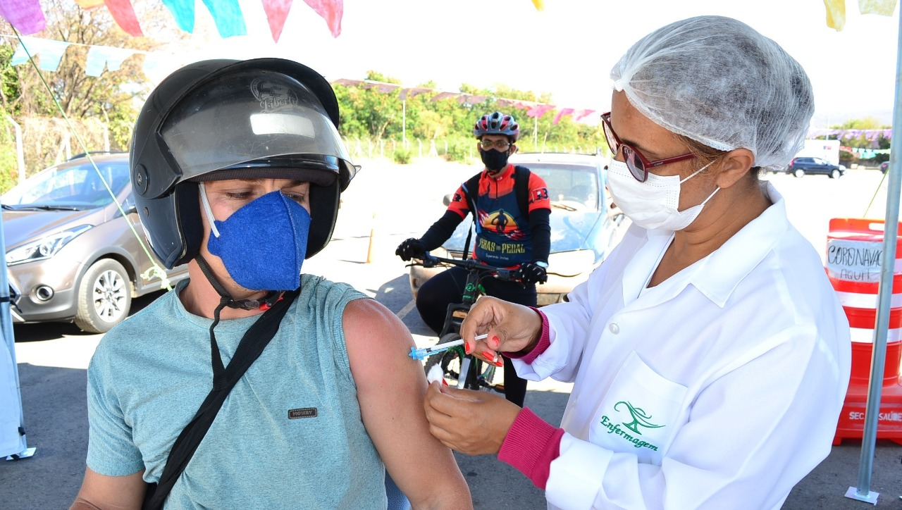 Imagem de destaque ARRAIÁ VACINAMOC - Plano da Prefeitura é vacinar 40 mil pessoas contra a COVID-19 nesse final de semana