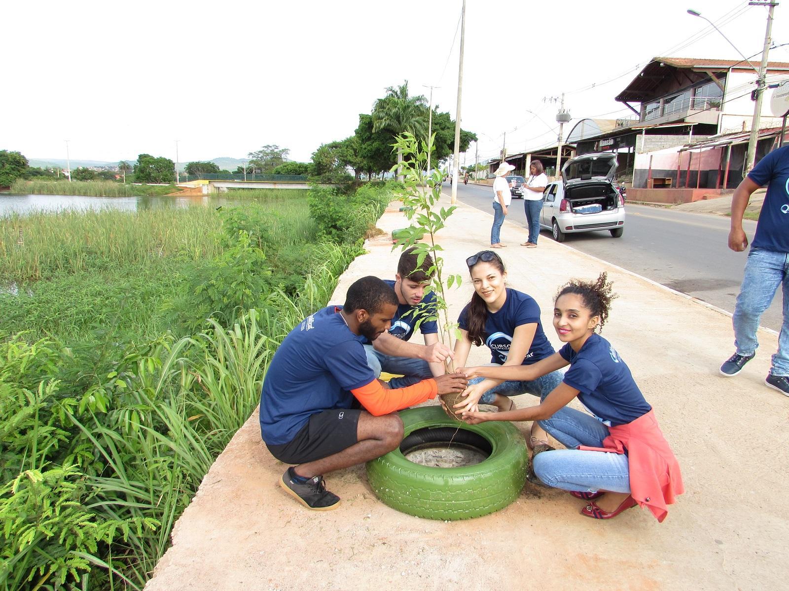 Lagoa do Interlagos ganha lixeiras ecológicas e arborização