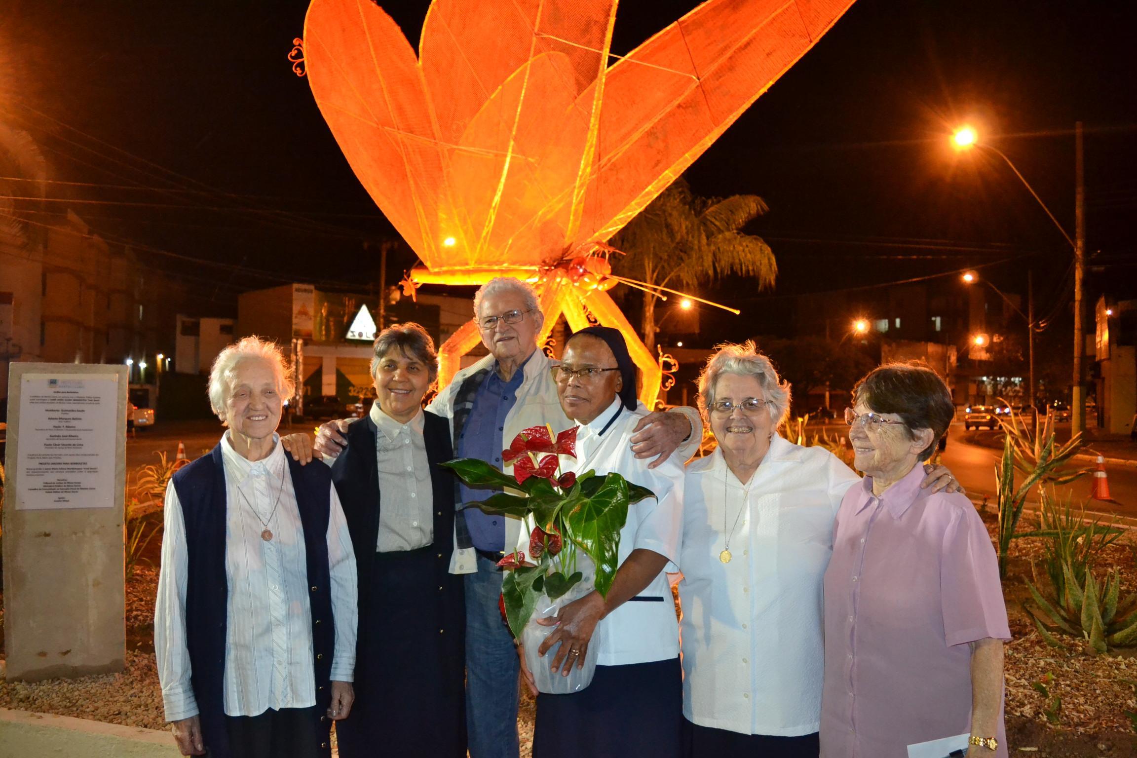 Imagem de destaque Jardim para Borboletas - Nova escultura homenageia a saudosa Irmã Veerle