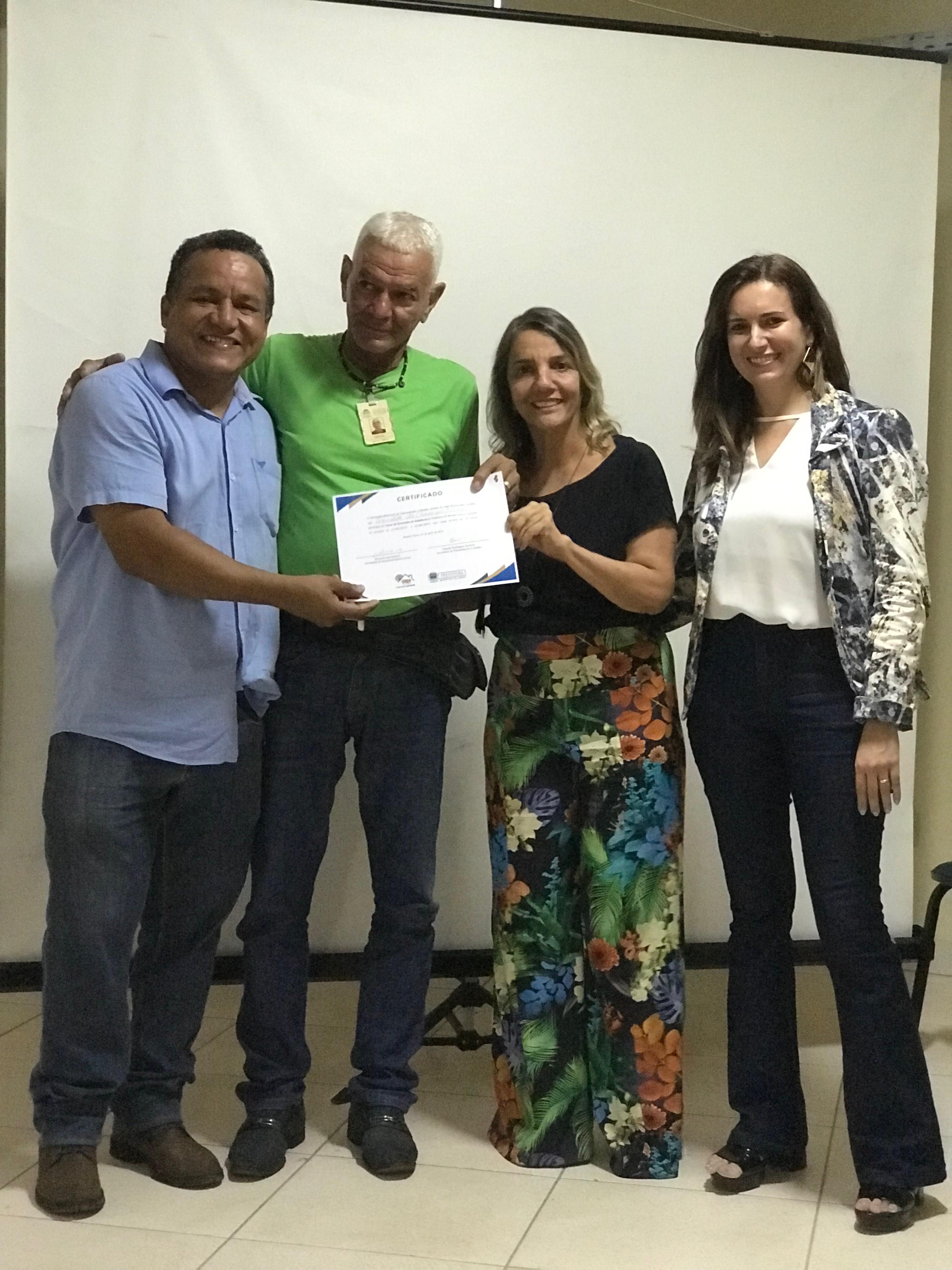 Imagem de destaque SERVIDORES DA PREFEITURA RECEBEM CERTIFICADOS DE CAPACITAÇÃO